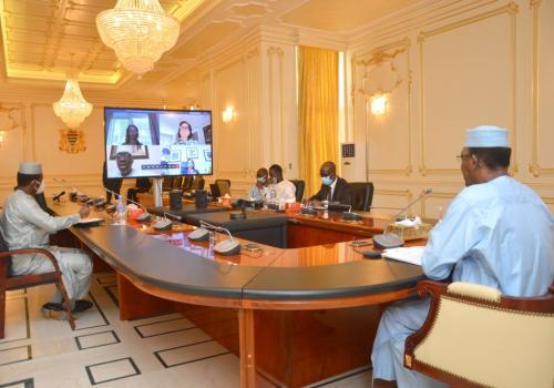 Le chef de l'État Idriss Déby, lundi 29 juin 2020 lors d'une visioconférence avec le vice-président de la Banque mondiale. © PR