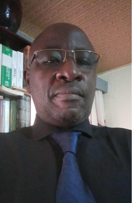 Joseph Owona Ntsama, chercheur et chroniqueur culturel.