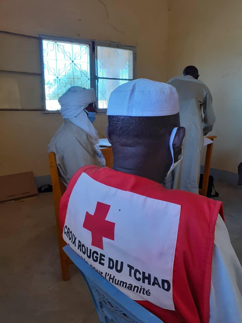 Tchad - Covid-19 : à Adde, zone frontalière du Soudan, la Croix Rouge remet du matériel sanitaire