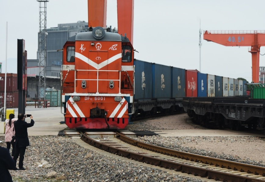 Photo taken on February 10, shows a train of the China-Europe freight train service in East China's Yiwu. Photo by Gong Xianming/People's Daily Online