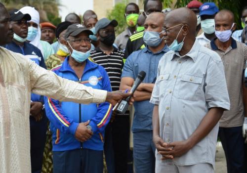 Tchad : le personnel de la Présidence initie une journée citoyenne d'assainissement au Palais.