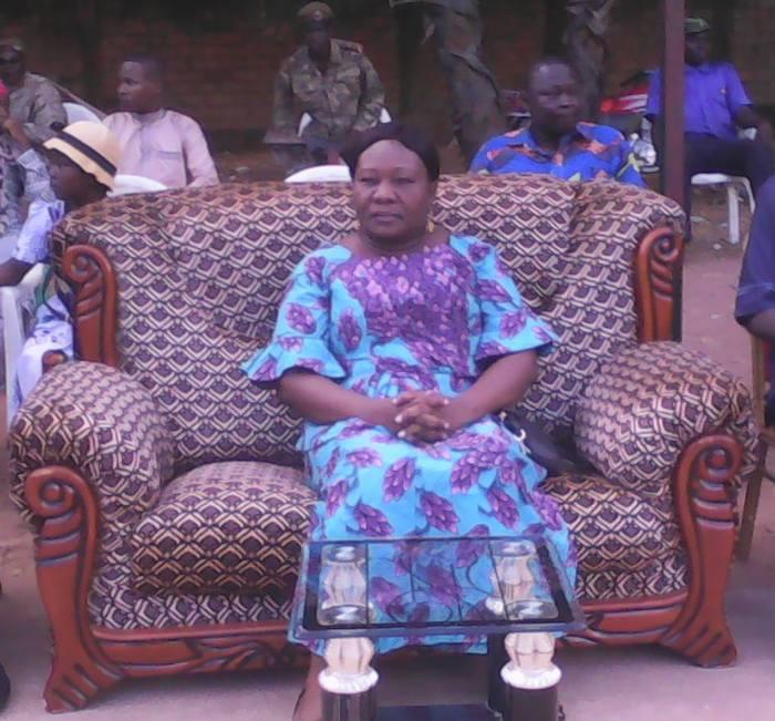 La gouverneure de la province, Beassemda Lucie.