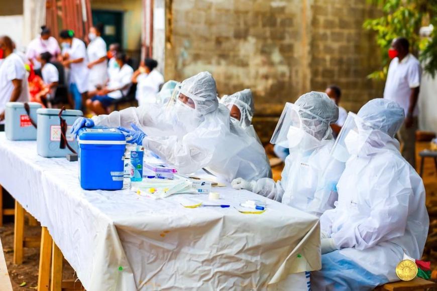 Covid-19 : Madagascar compte 10.317 cas, 7117 guéris et 99 décès. Illustration © DR/Twitter Andry Rajoelina