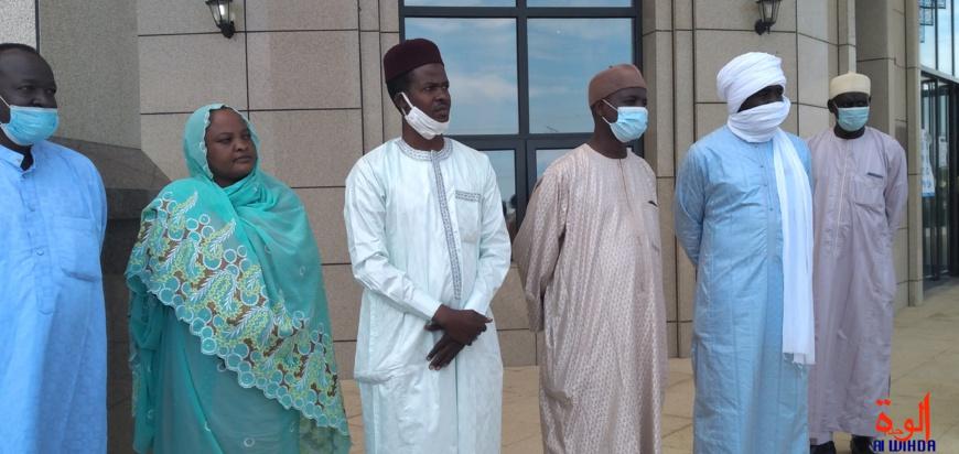 Tchad : intronisation de Maréchal, des jeunes font un don pour la cérémonie. © Ben Kadabio/Alwihda Info