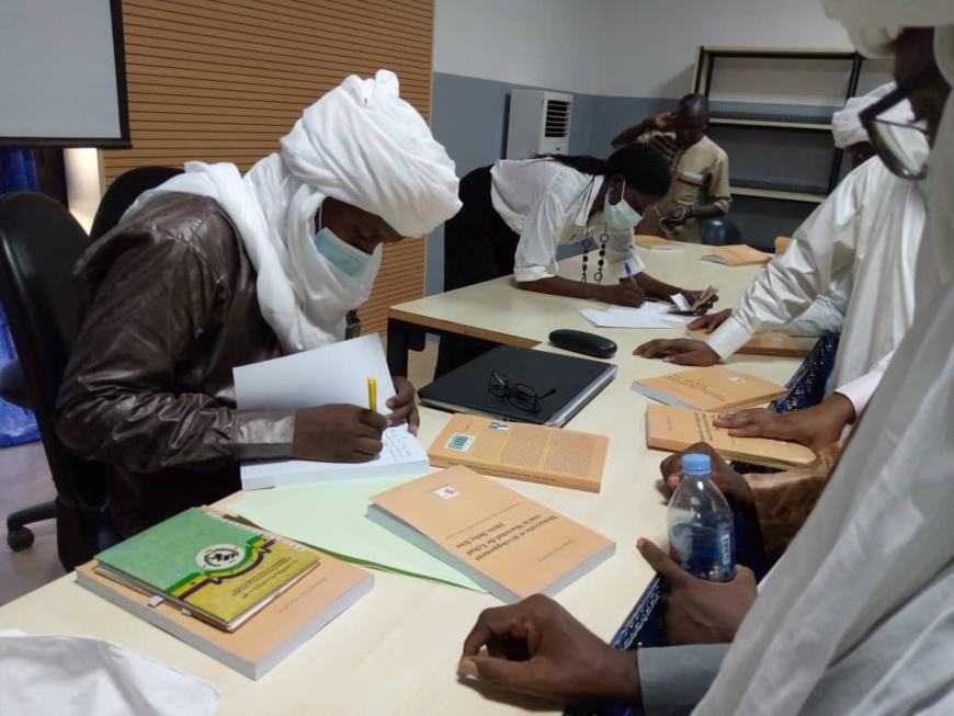 Tchad : développement, leadership, Brahim Edji publie un ouvrage sur le rôle du chef de l'État. © Kelvin Djetoyo/Alwihda Info