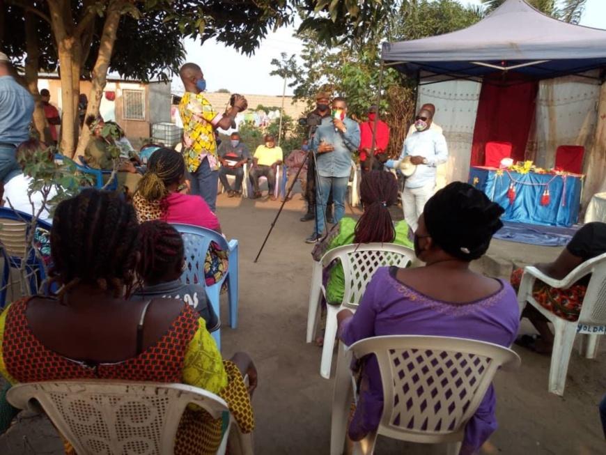 Congo : le député Brice Dimitri Bayendissa à l'écoute de ses mandants de Louessi à Pointe-Noire.