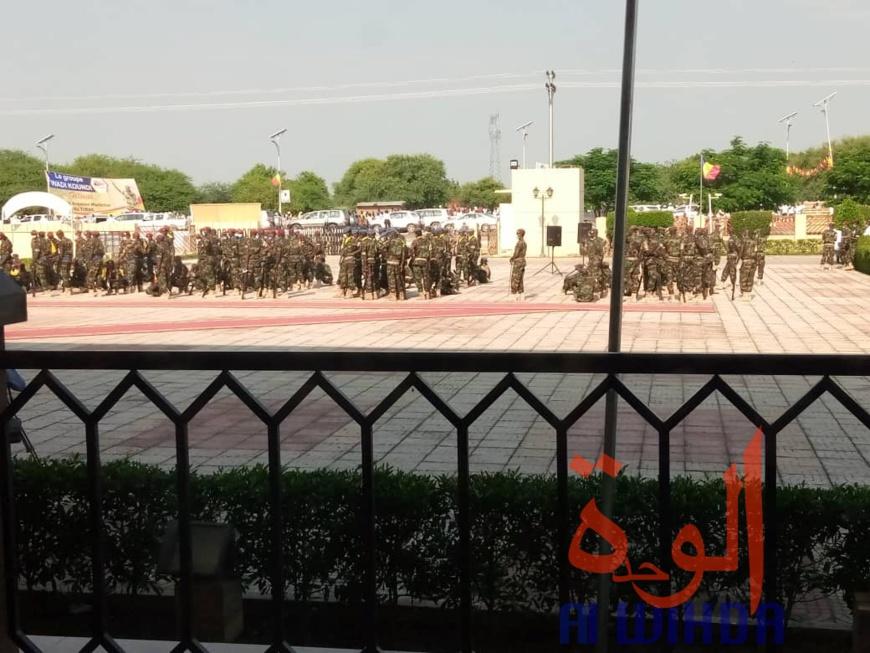 Tchad : le couple présidentiel est arrivé au Palais de la démocratie pour la cérémonie d'élévation