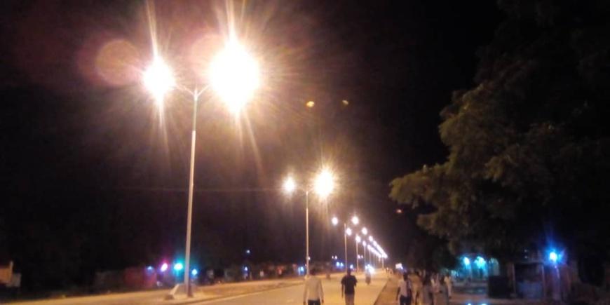 Tchad : la joie à Ndjari après l'éclairage d'une nouvelle route goudronnée