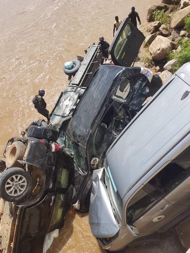 Cameroun : sept ministres indemnes après un grave accident de la route