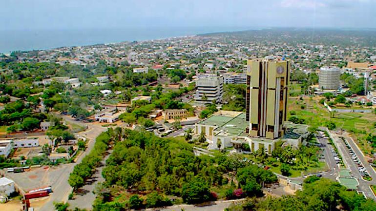 Togo : Trois présumés trafiquants de drogue interpellés et présentés à la presse à Lomé. © DR