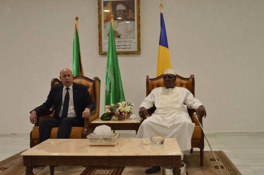 Tchad : le président mauritanien fait une escale à N'Djamena