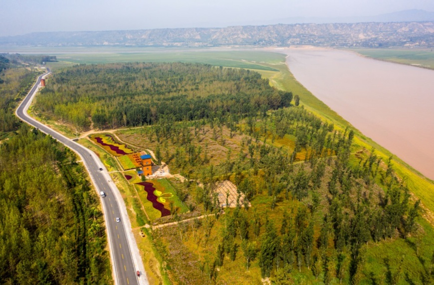 Photo taken on Sept. 16 shows a picturesque view of the Yellow River in the Sanmenxia section, central China's Henan province. Photo by Sun Meng, People's Daily Online