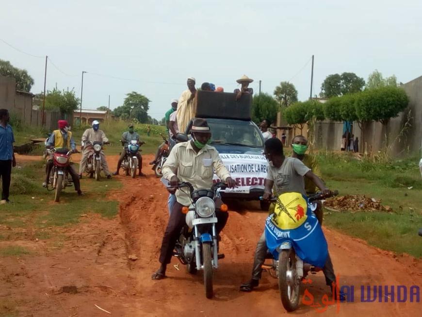 Tchad : des jeunes militants du MPS sillonnent Moundou pour inciter au recensement