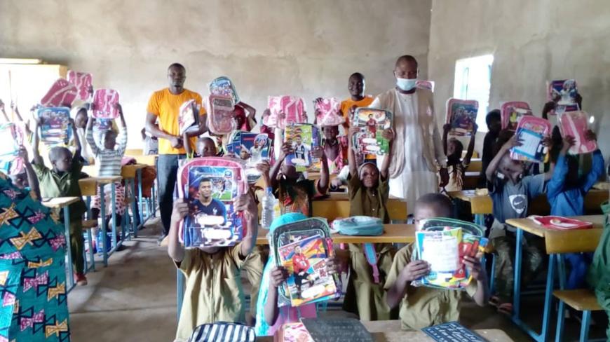 Tchad Helping Hands donne le sourire à des élèves défavorisés pour la rentrée