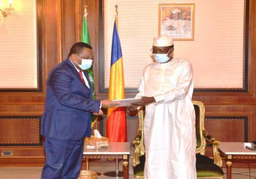 Tchad : le chef de la diplomatie congolaise reçu à la Présidence