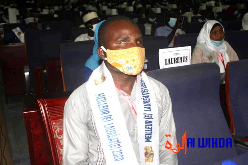 Tchad : un bachelier non-voyant parmi les meilleurs, il a reçu 500.000 Fcfa et un ordinateur