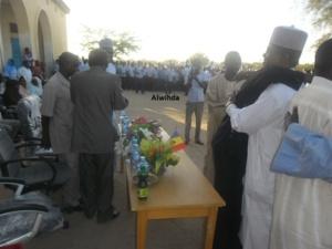Ahmat Yacoub remet 20 cartons de livres au Lycée Mahamat Yacoub d'Abéché