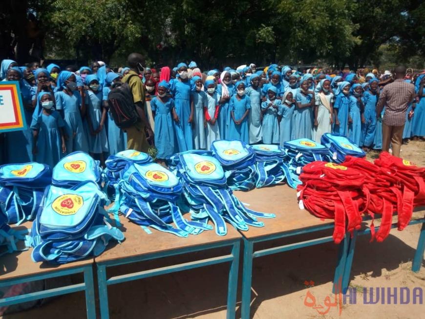 Tchad : 1200 kits scolaires offerts à des élèves du Guéra
