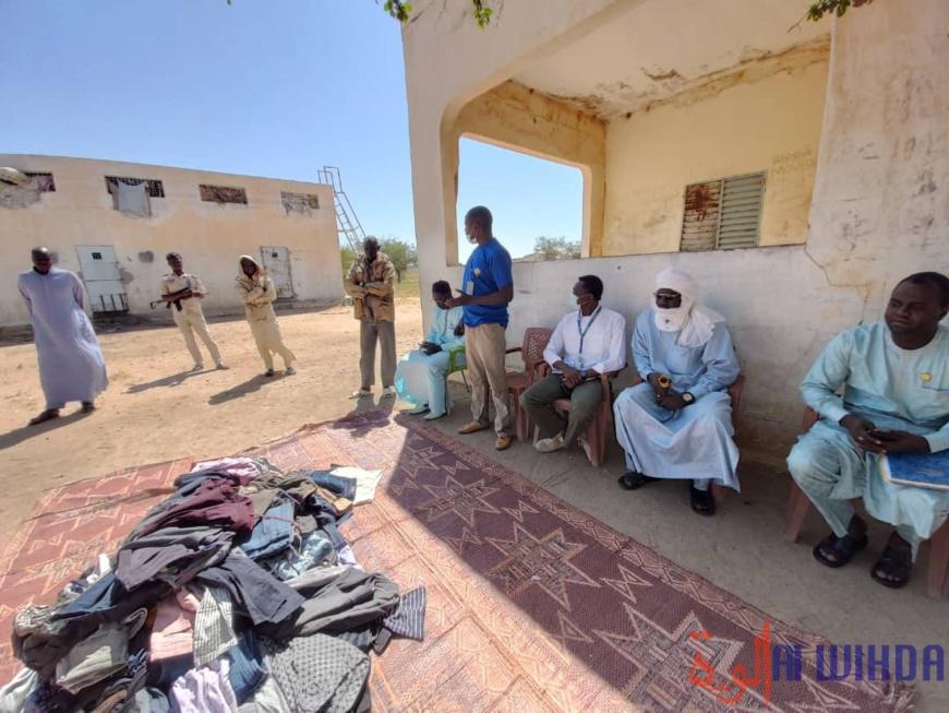 Tchad : des vêtements contre le froid offerts aux prisonniers de Guereda
