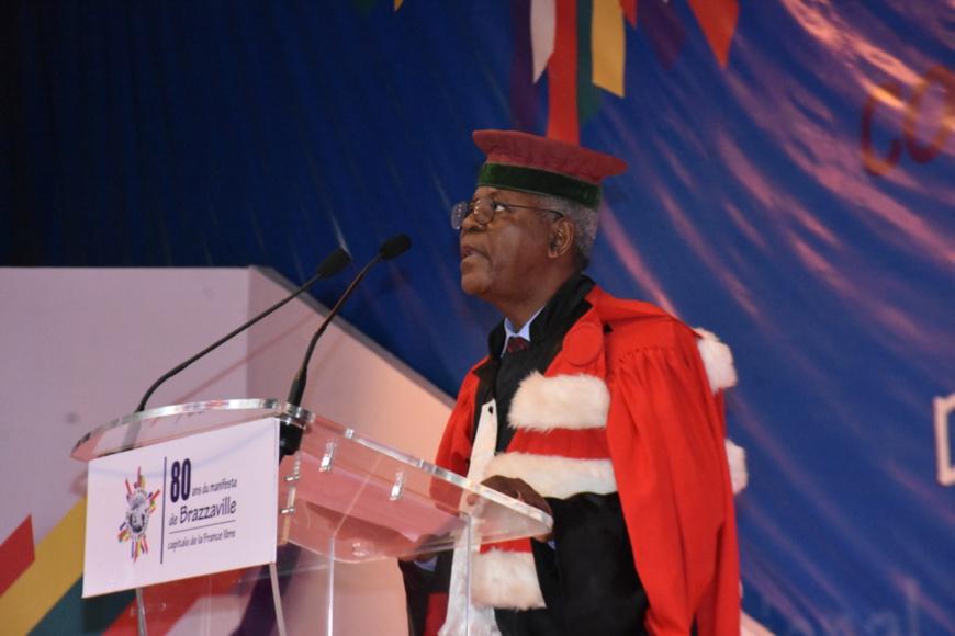 Le professeur Abraham Constant Ndinga Mbo présentant la Leçon inaugurale.