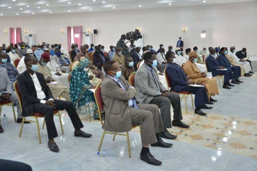 """Tchad : Idriss Déby demande """"l'apport de tous"""" pour le 2ème Forum"""