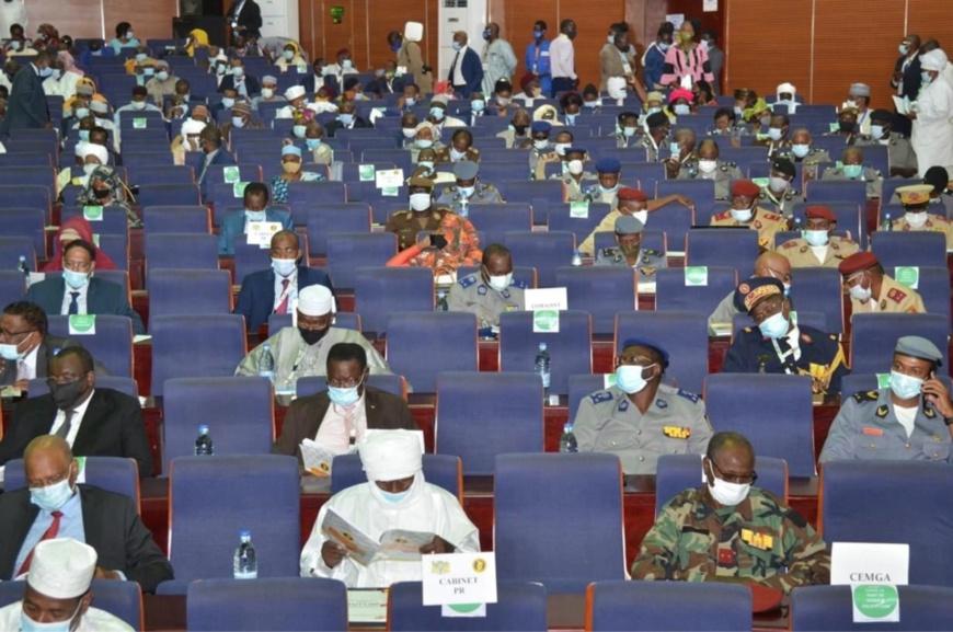 Tchad : forte opposition au changement du drapeau national lors du Forum