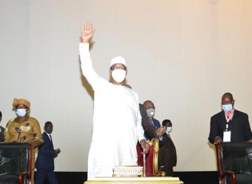"""Tchad : changement du drapeau, Idriss Déby estime qu'il est temps """"d'engager un débat franc"""""""
