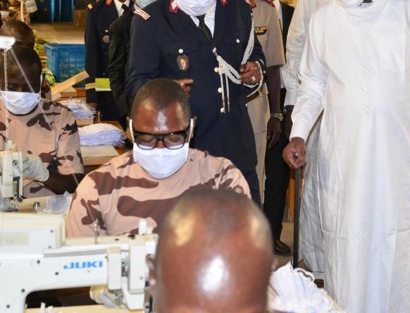 Tchad - Covid-19 : l'armée remet 3 millions de masques aux ministères de l'Éducation et de l'Enseignement