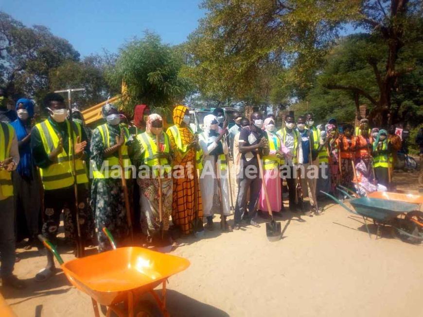 Tchad : 250 jeunes et femmes mobilisés pour la salubrité d'Am-Timan
