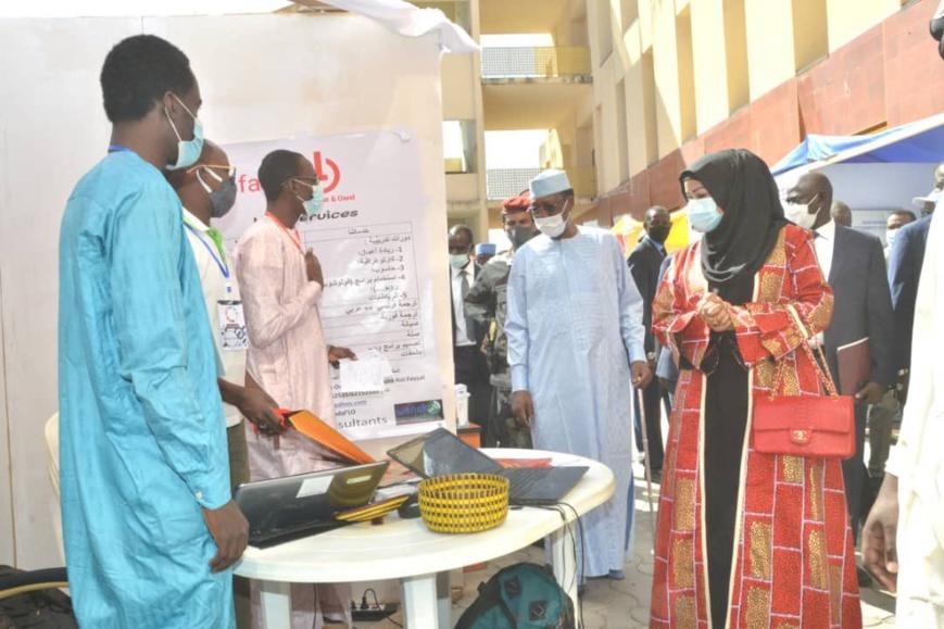 Tchad : le chef de l'État encourage les entrepreneurs à faire mieux et plus. © PR