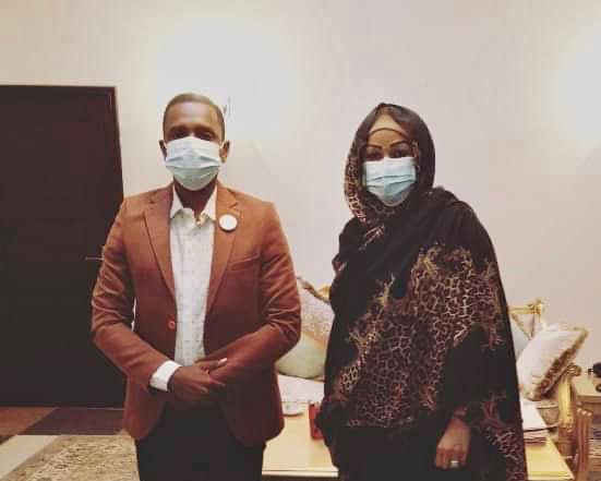 Entrepreneuriat : la Première Dame du Tchad reçoit l'ambassadeur Adam Ismael