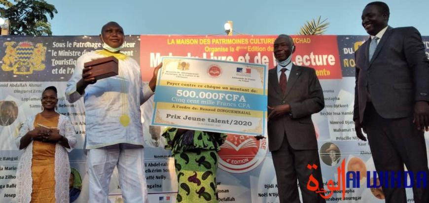 Tchad : grand prix littéraire 2020, Ali Abdel-Rhamane Haggar reçoit la Plume d'or