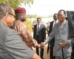 Le Président de la République Idriss Déby a effectué ce matin une visite inopinée à l'Ecole nationale de police. Crédits photos : Presidencetchad