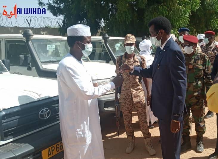 Tchad : Remise de véhicules neufs aux préfets du Sila