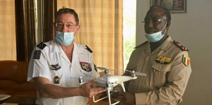Tchad : le chef du renseignement militaire réceptionne des drones de la France