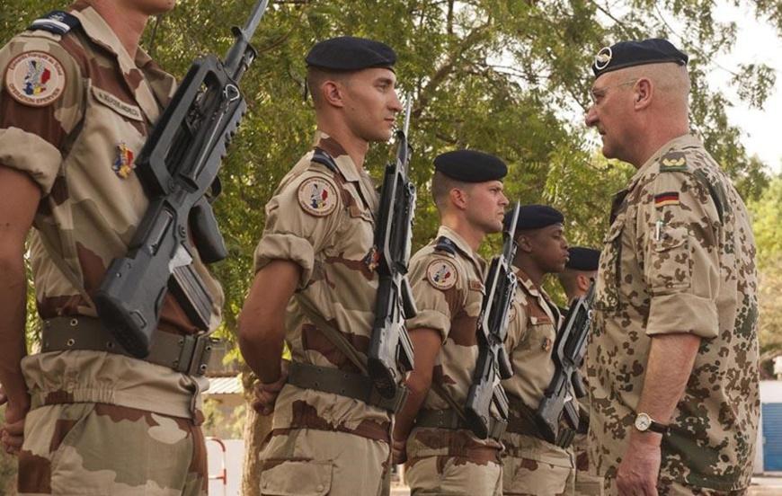 DR/Afp    L'armée française à Ndjamena.