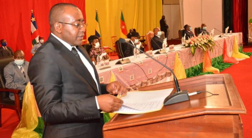Le DG de l'Enam, Pierre Bertrand Soumbou Angoula.