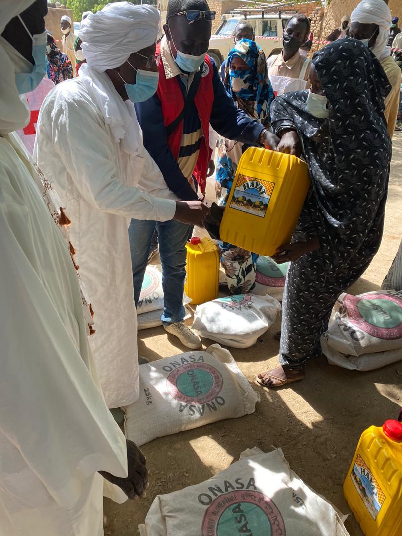 Tchad : l'ONASA assiste des familles de Ndjamena-Fara avec des kits alimentaires