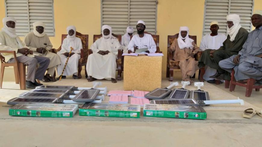 Tchad : des panneaux solaires d'éclairage offerts à la population de Dar Tama