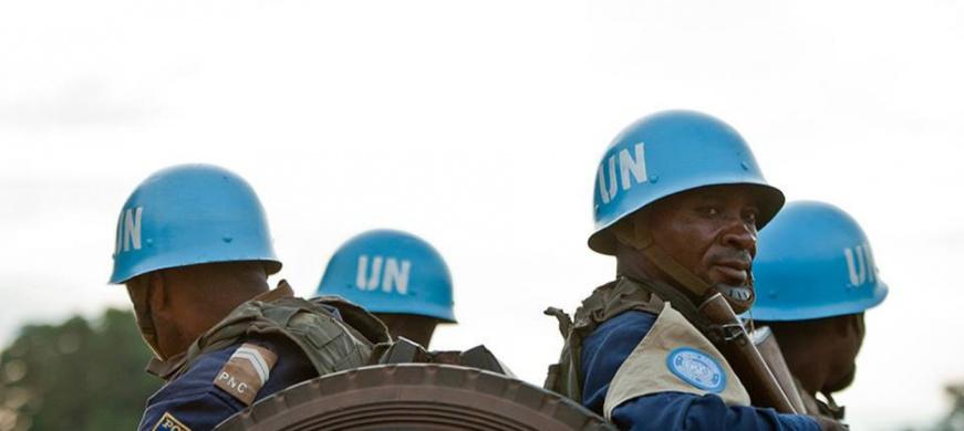 Des Casques bleus de la MINUSCA en patrouille en République centrafricaine. © MINUSCA
