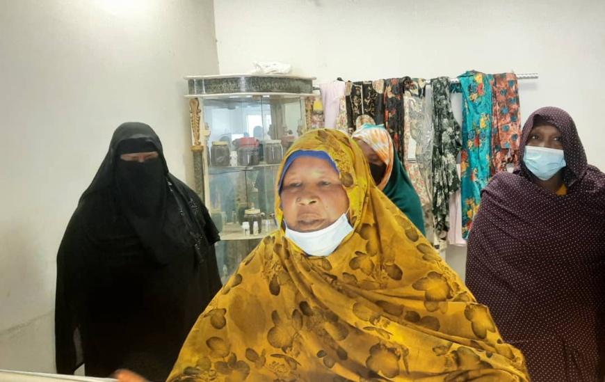 Tchad : les vendeuses d'or reçues par le directeur général des douanes
