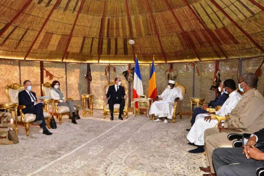 مشير تشاد يستقبل رئيس الوزراء الفرنسي