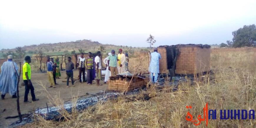 Tchad : un déséquilibré mental met le feu à 18 cases dans un village