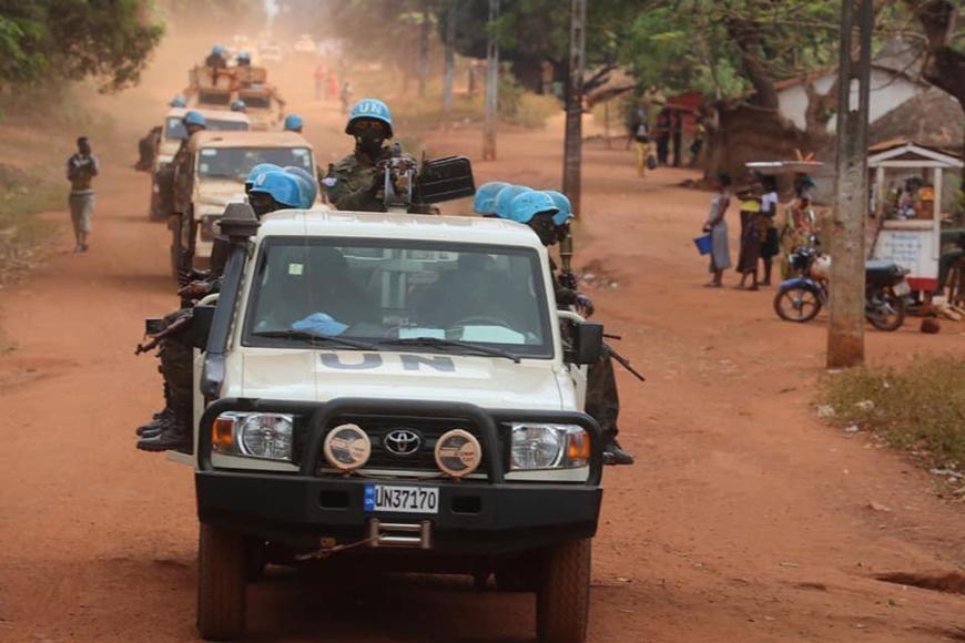 Un convoi de casques bleus le 16 janvier 2021 à Bangassou, au Sud-est de la Centrafrique. © Leonel Grothe/UN/MINUSCA