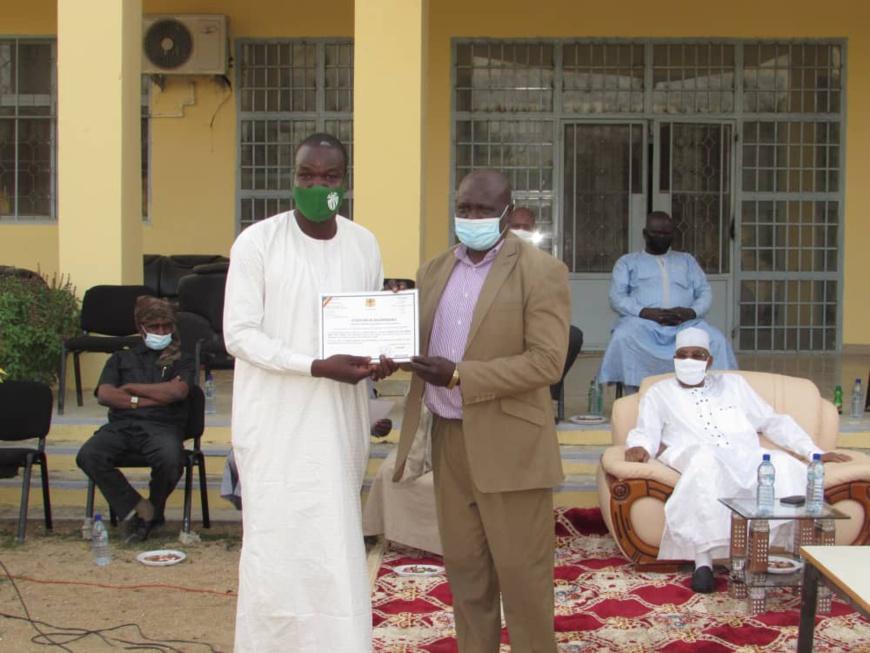 Tchad : cérémonie de réjouissance à Mongo pour les commissions d'accueil lors de la visite du président