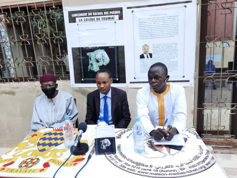 Tchad : présentation d'un recueil de poèmes décrivant la situation de la société