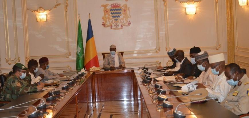 N'Djamena : Réunion de prise de contact entre le président du G5 Sahel et le staff
