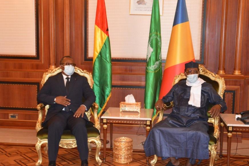 Tchad : tête-à-tête entre les présidents Idriss Deby et Umaro Sissoco Embalo