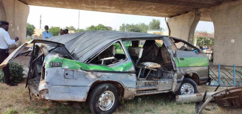 N'Djamena : un conducteur détruit son véhicule dans un accident