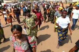 Décembre 2012. Les femmes centrafricaines manifestent contre la Séléka. BANGUI. Diaspora Media